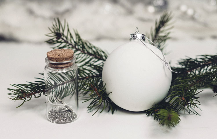 DIY: dekorer julekugler